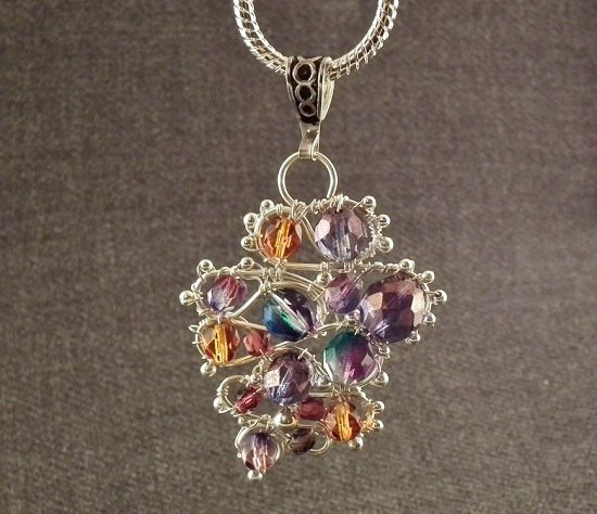 make this baroque wire and bead pendant by Gayle Bird