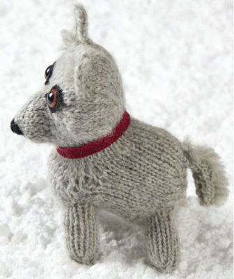 Kathy Augustine's Polaris Puppy knitted project that accompanies her article on Josephine Peary in the Spring 2015 issue of Knitting Traditions. Photo by Donald Scott.