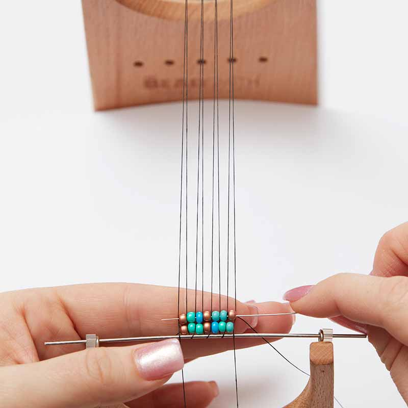 How to Use a Bead Loom: 10 Tips for Beading on a Loom