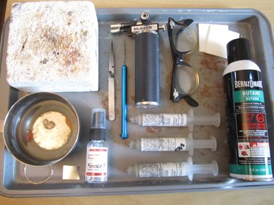 This is jewelry-making expert Kate Richbourg's setup for when she is soldering with jewelry torches. This articles discusses her top 6 torches she recommends.