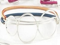 Learn how to make and use wire coils the right way with these expert jewelry making tips. This one includes bulking up your wire.