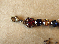 Learn how to make a seed bead bracelet with this step-by-step tutorial: Step 1.