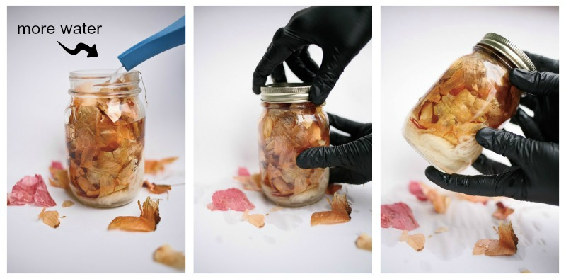 Step 4 involves adding more water to the jar filled with yarn and onion skins!