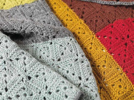 Unexpected Afghans: Motif Crochet Afghan