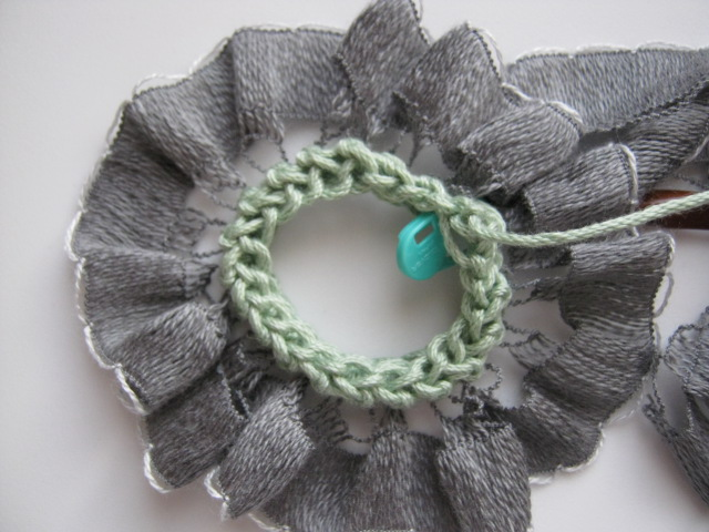 Working Into Ribbon Yarn: How Does She Do That? | Interweave