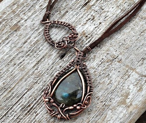 wire wrapped labradorite and leather necklace