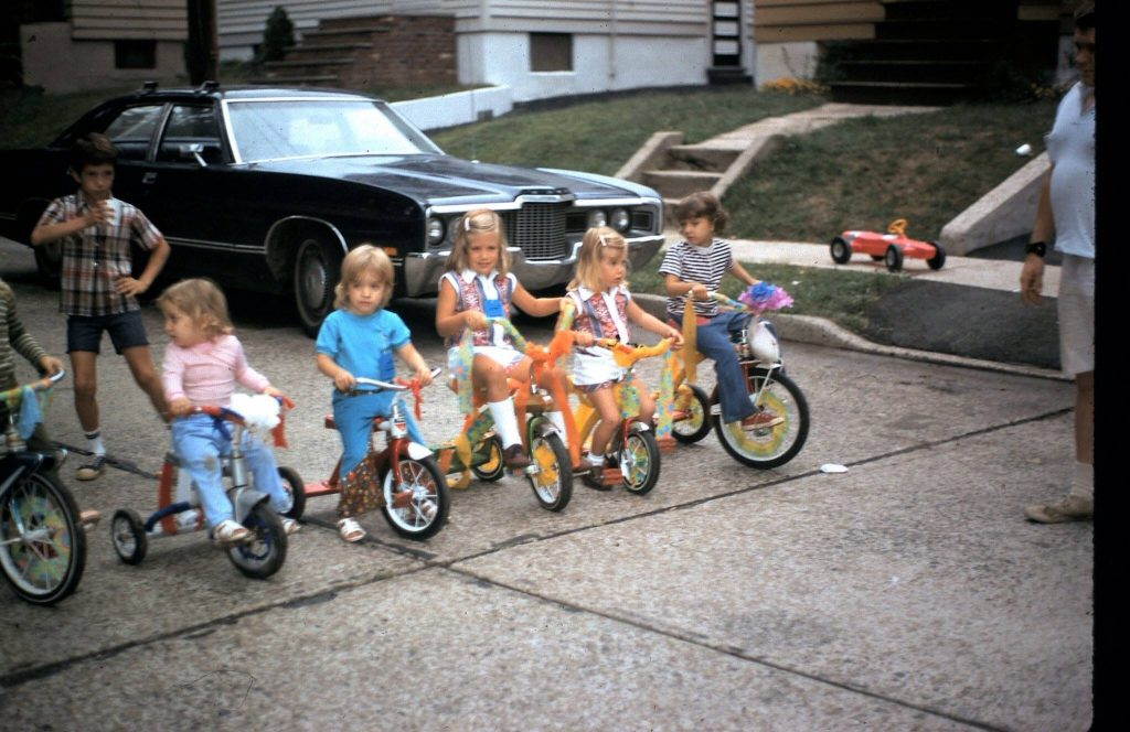 neighborhood bike decorating contest, barbecues, 4th of July