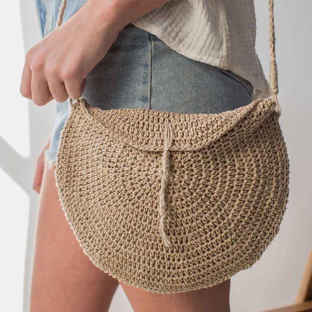 1007dd5c7329 Basking Crossbody Bag from Interweave Crochet Summer 2018 CREDIT  Harper  Point Photography