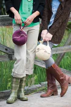 If you like felting, then you'll LOVE this free felt knitting pattern on felted bags.