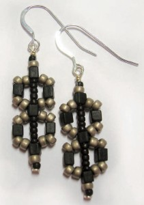 Figure_8_earrings-1