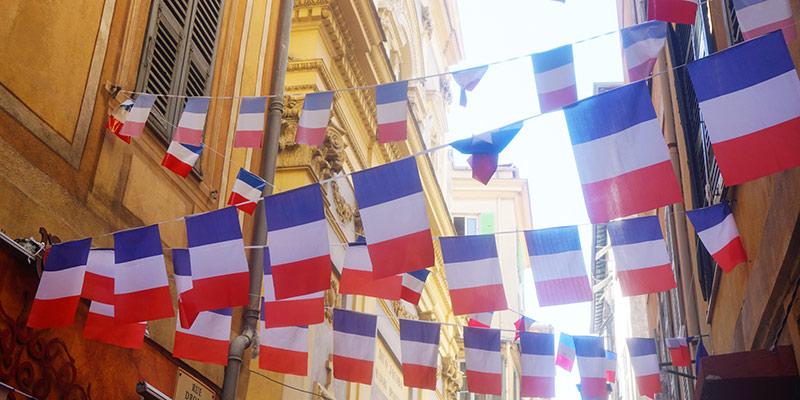 Les Tricoteuses: A Bastille Day Yarn