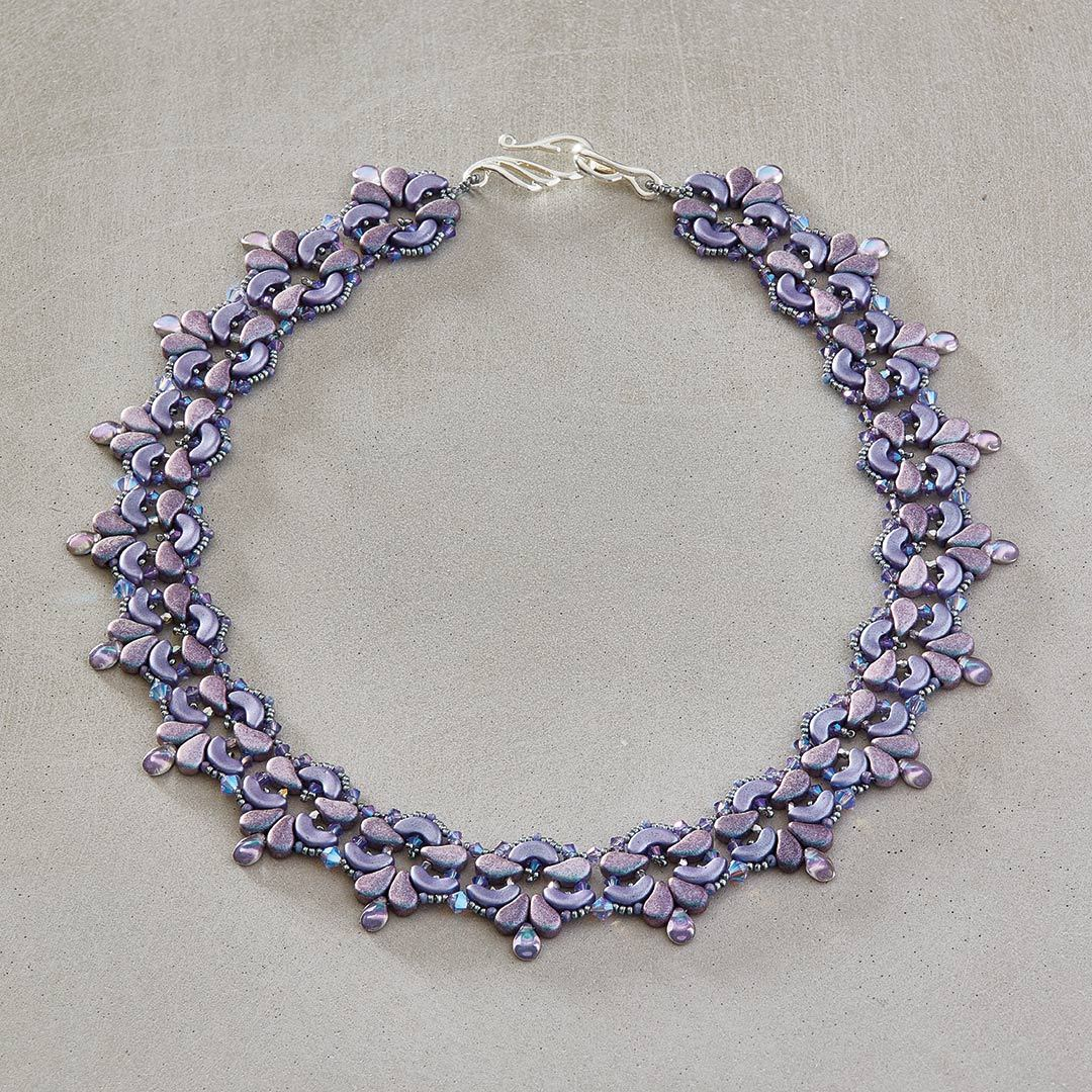Laura Graham's Blooming Fleur-de-lis Collar - right-angle weave