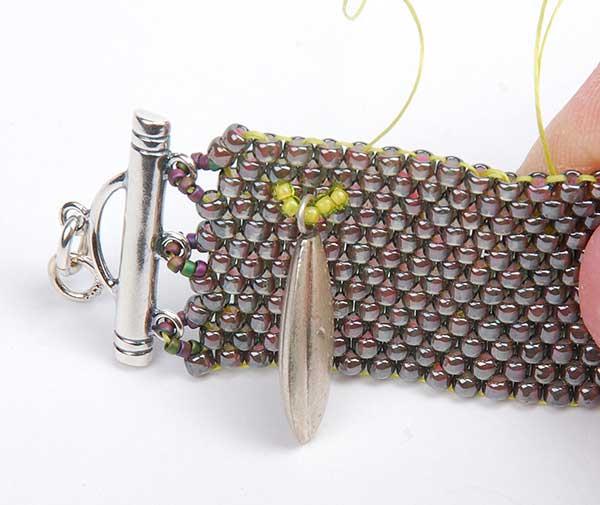 Vesuvius, Akke Jonkhof, peyote, beadweaving, Hill Tribe Silver Fringe Peyote Bracelet, Tammy Honaman. Peyote Bead Weaving instructions, free