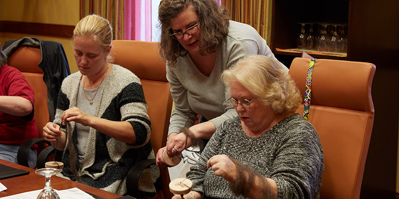 3 Ways to Get Started Teaching People How to Spin Wool