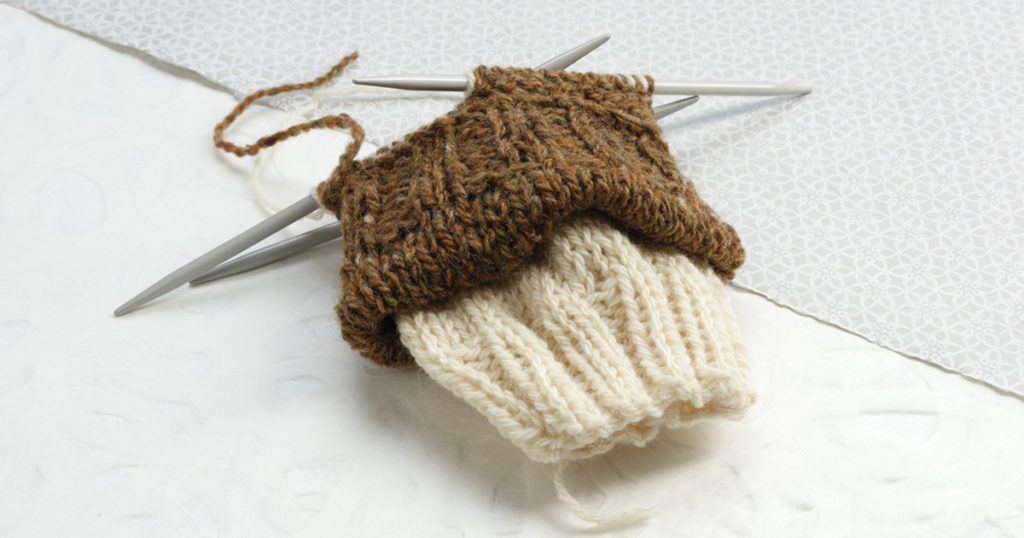 Tips for Practical Sock Knitting: Knitting Two Socks at Once