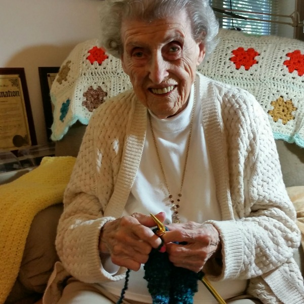 oldest knitter in the world