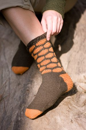 Honeycomb crochet socks with split single crochet