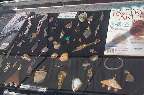 John Heusler, GG, jewelry featured in Lapidary Journal Jewelry Artist in Tucson