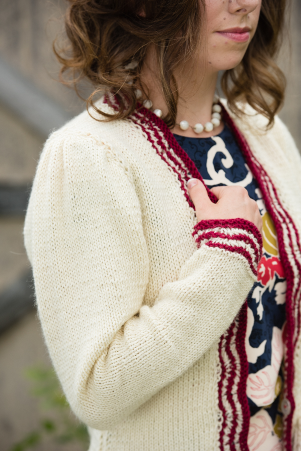 This Greer cardigan knitting pattern is something you can't miss as you'll look stylish no matter where you wear it.