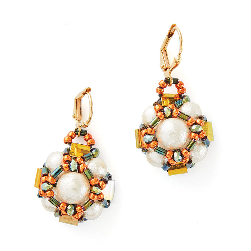 Lisa Krupp-Dooley's Pearly Peaks earrings Beadwork