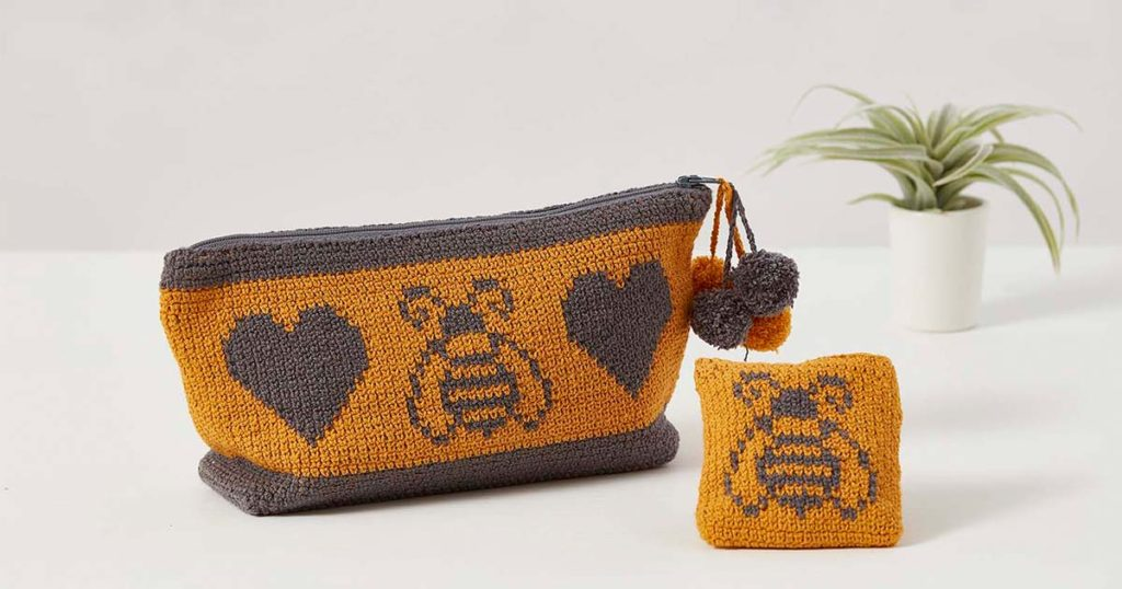 You Need This Love of Bees Notions Bag Set!