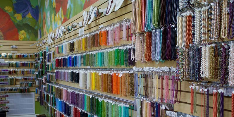 Beading at Buttercup Beads with Andrea Mazzenga