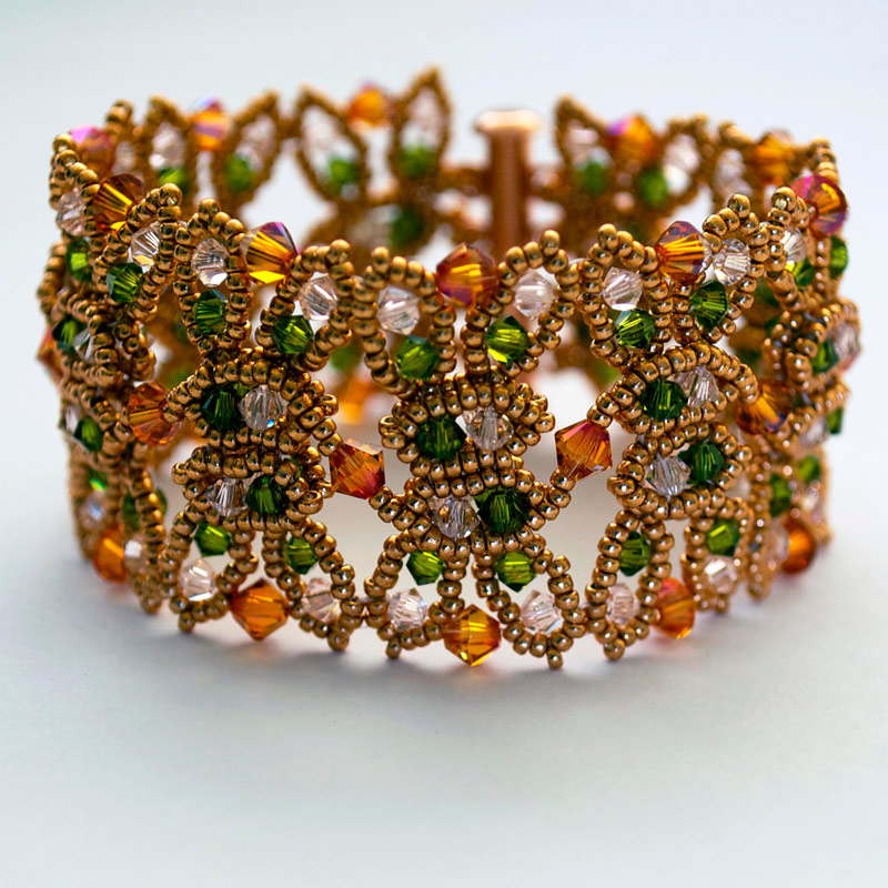 Bead artist Teresa Meister stitched this amazing bracelet pattern with delicate, open and flowing dimension