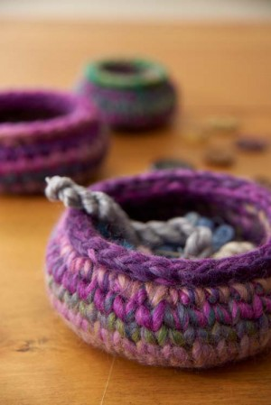 Shallow single crochet miscellany bowl