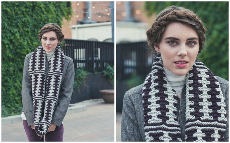 Isnt this knitted cowl gorgeous? Simple colorwork and plush yarn make this a great holiday knitting project.