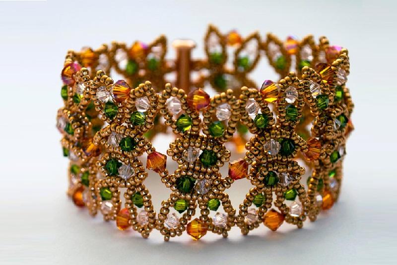 jewelry trends: beaded bracelet by Teresa Meister