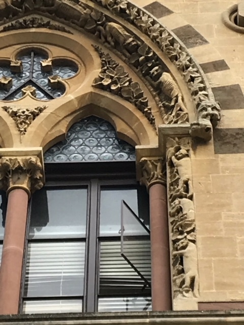 Unpaid Irish stonemasons took their revenge on British politicians by carving their heads on the grotesque animals around the window casements at the Oxford University Museum of Natural History.