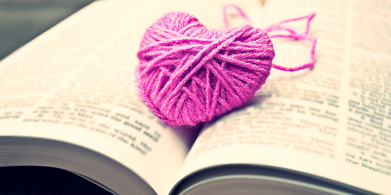 Book Nerds Who Knit: Are You One of Us?