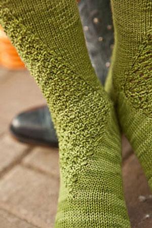 Wasabi Peas socks, cluster stitch detail