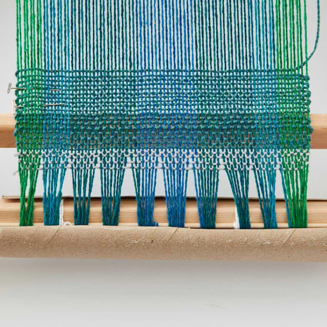 rigid-heddle weaving