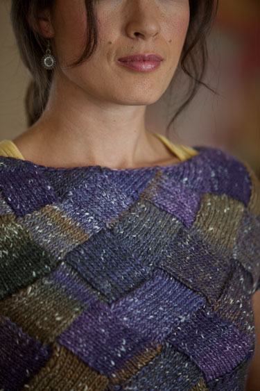 Learn how to knit this entrelac knitted tee in this free guide.