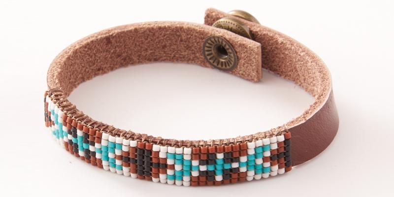 Bead Weaving a Southwest-Inspired Piece of Jewelry. Arizona Sunrise bracelet by Venetia Perry