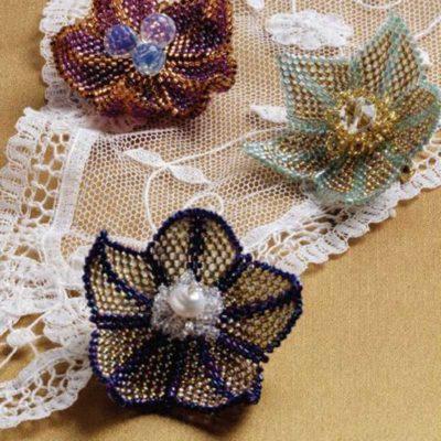Peyote Stitch Companion, Flirty Flower Brooch, by Louise Smith, Peyote stitch