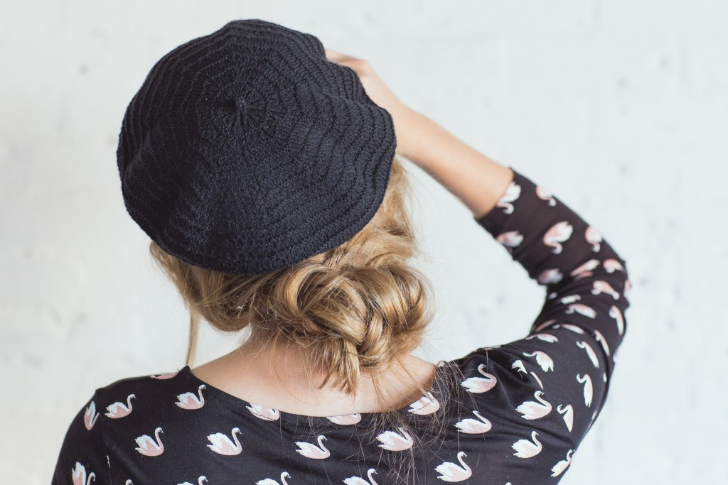 Phryne Beret by Sarah Solomon knit.wear Spring/Summer 2016