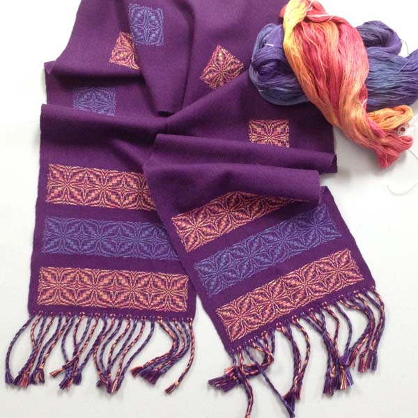 Overshot scarf in silk