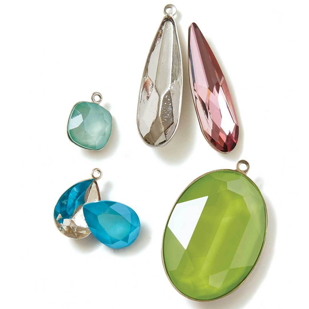 Set crystals easily with these bezels designed to fit perfectly.