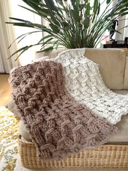 Sophie Blanket knit with bulky yarn