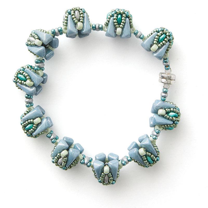 Vezsuzsi's Peadar Beaded Bead bracelet Beadwork