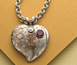 Learn how to do Mokume Gane in this cold connection jewelry ebook.