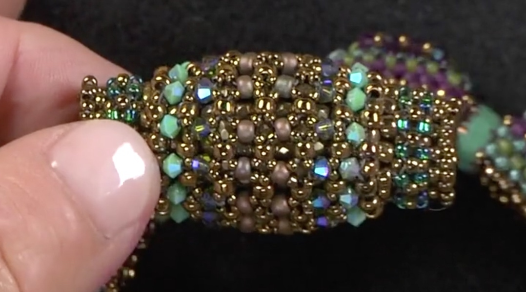 RAW can also become extremely structural, as this beaded bead shows.
