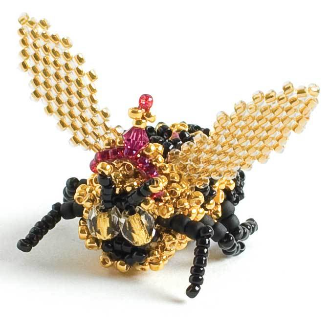 beading projects - A beaded bumble bee fit for royalty.