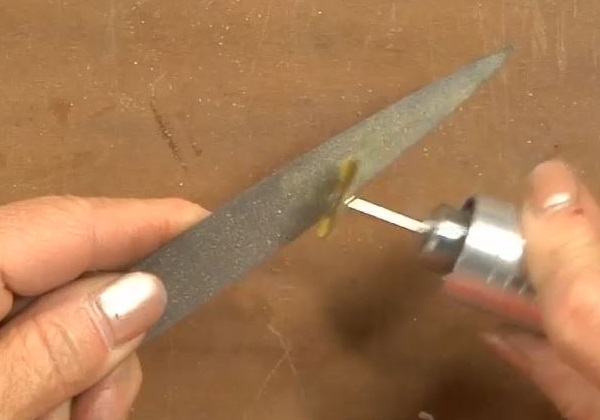learn to clean and care for your jewelry-making files with Lexi