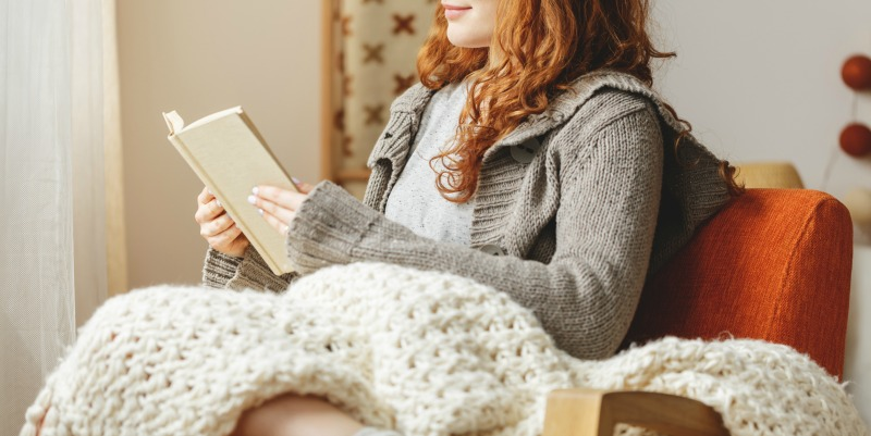 5 Cozy Knit Blankets to Get You through Winter