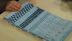danish-medallions-weaving