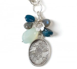 You'll love making this DIY charm necklace in this free wire jewelry patterns ebook.