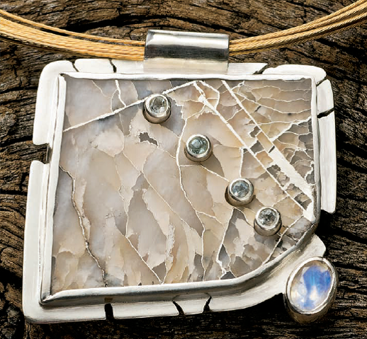 Helen Driggs's Silver in Quartz pendant project appeared in Lapidary Journal Jewelry Artist January 2010; photo: Jim Lawson